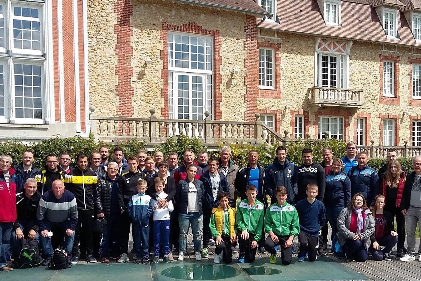 Visite de CLAIREFONTAINE et intervention de l'entraineur des gardiens de l'équipe de France Franck RAVIOT - Vignette